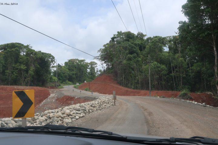 Neue Strassen, rote Erde